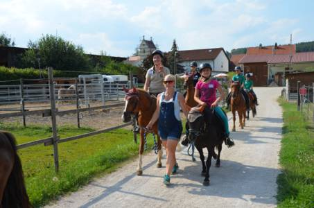 Kids-Zeltlager Der PSG Auf Dem Haflinger Hof In Landershofen (4)
